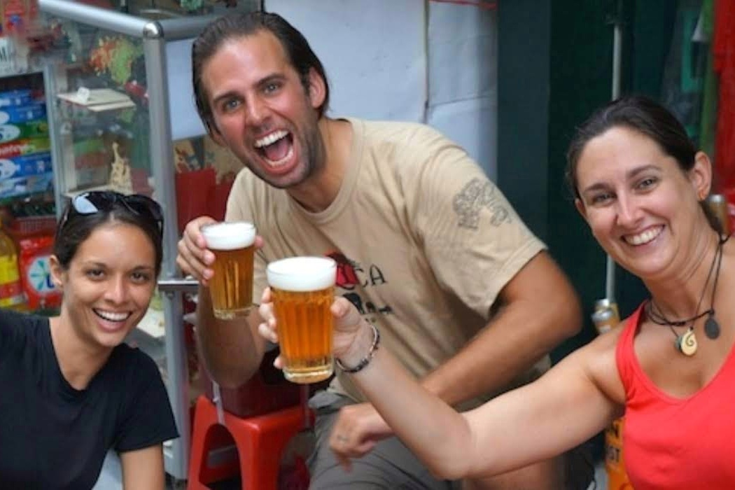 HANOI STREET FOOD TOURS – FOOD & CULTURE WALKING TOURS BY NIGHT: 3 HOURS