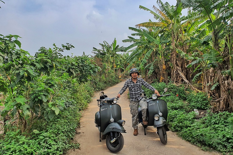 Hanoi-food-culture-sight-fun-on-classic-vespa-tour-4-5-hours-hbv13