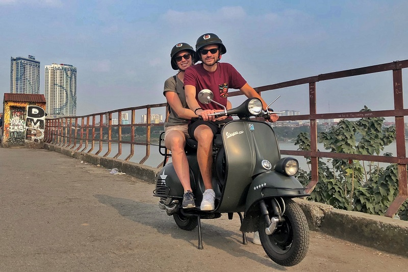 hanoi-food-culture-sight-fun-on-classic-vespa-tour-4-5-hours-hbv19