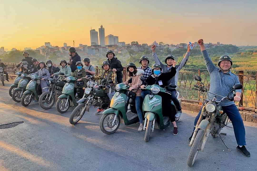 BEST SCOOTER TOURS HANOI – FOOD, CULTURE & SIGHT: 4.5 HOURS