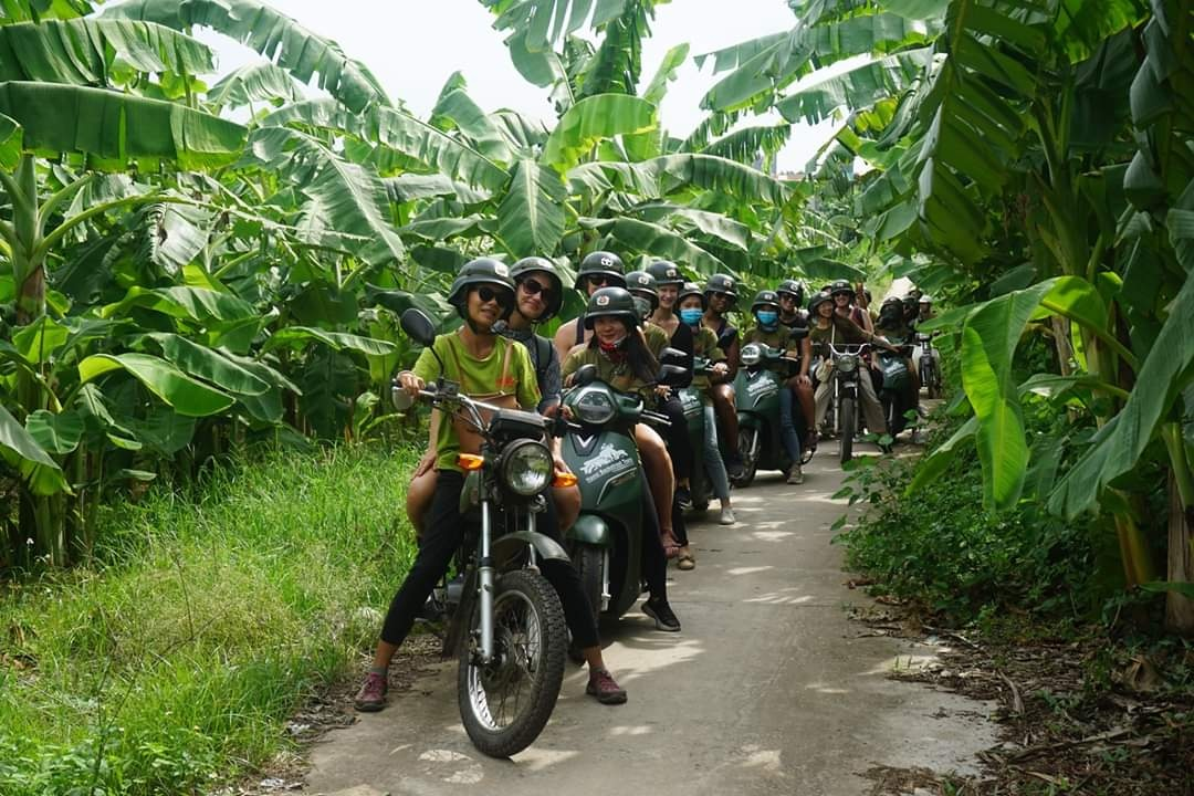 Motorbike City Tours Hanoi : Food , Culture, Sight & Fun on Vintage Minsk Motorcycle: 4.5 Hours