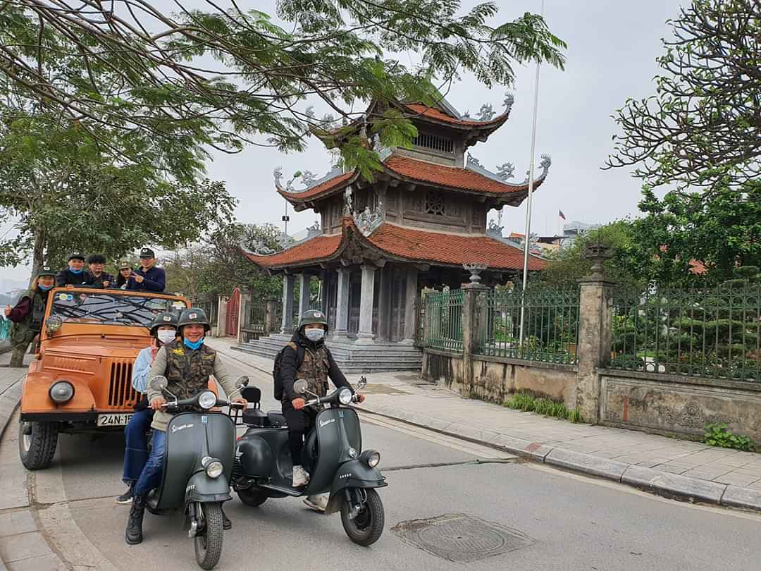 HANOI VESPA FOOD TOURS BY NIGHT- FOOD, CULTURE & SIGHT: 4.5 HOURS
