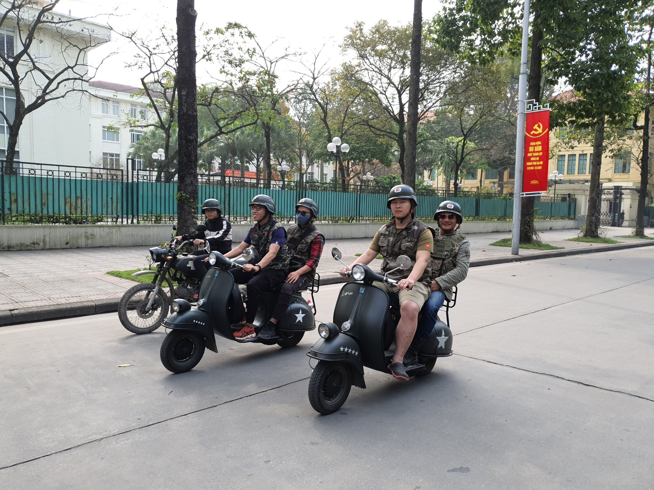 Hanoi Vespa Tours - Food & Culture