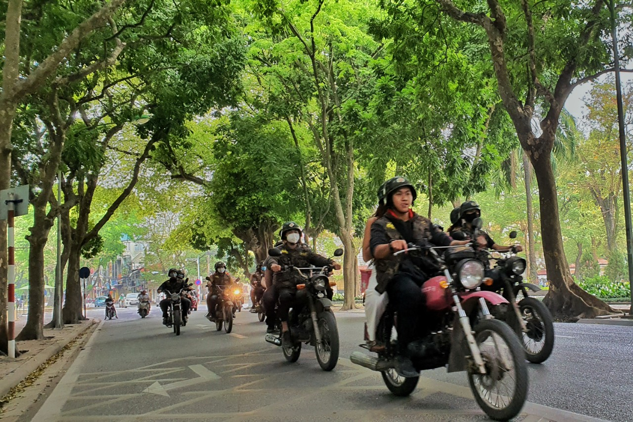 Hanoi Scooter Tours -Hanoi Vespa Tours - LUXURY & CLASSIC VESPA * ANTIQUE MINSK * ELECTRIC SCOOTER - Authentic Food & Real Culture Journeys. We offer the best VESPA/MOTORCYCLE/MOPED TOURS in and around Hanoi and Vietnam.
